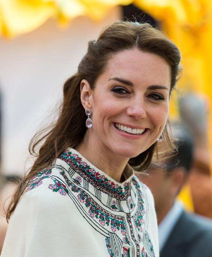Bí ẩn tủ đồ Hoàng gia: Lóa mắt với loạt trang sức thạch anh tím của phụ nữ hoàng gia Anh Ảnh 8