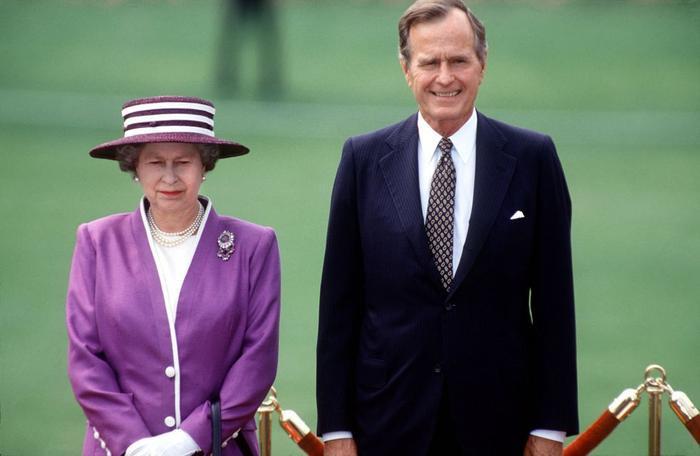 Bí ẩn tủ đồ Hoàng gia: Lóa mắt với loạt trang sức thạch anh tím của phụ nữ hoàng gia Anh Ảnh 7