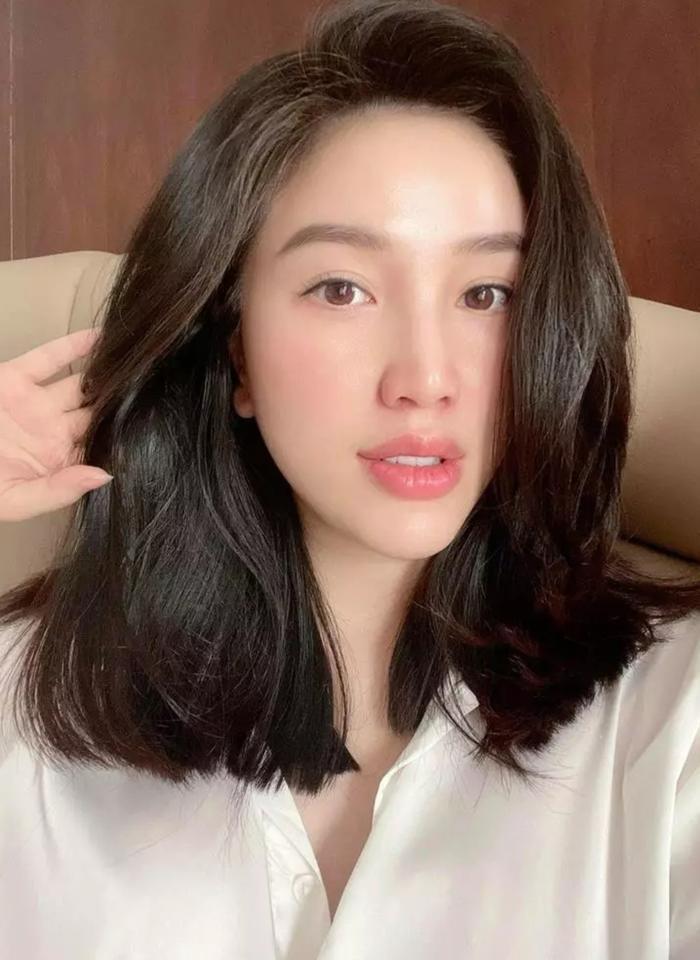 Sao Việt tự 'vung kéo' cắt tóc mùa dịch, người đẹp siêu cấp, kẻ lại trông... sai sai Ảnh 8