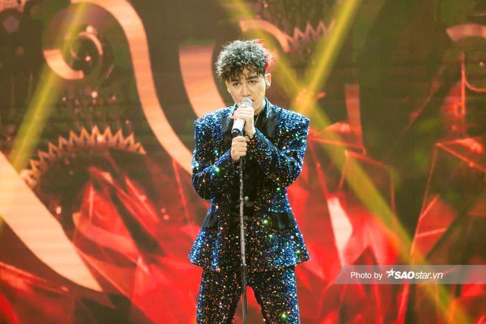 VP Bá Vương trang phục hầm hố, Ali Hoàng Dương 'lãng tử' với style disco tại The Heroes Ảnh 5