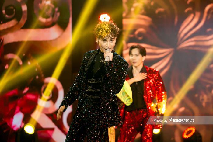 VP Bá Vương trang phục hầm hố, Ali Hoàng Dương 'lãng tử' với style disco tại The Heroes Ảnh 6