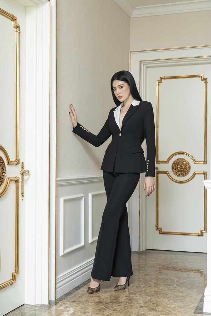 Á hậu Tú Anh đầy quyền lực trong bộ ảnh với trang phục đen/trắng Ảnh 6