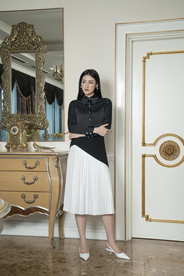 Á hậu Tú Anh đầy quyền lực trong bộ ảnh với trang phục đen/trắng Ảnh 4