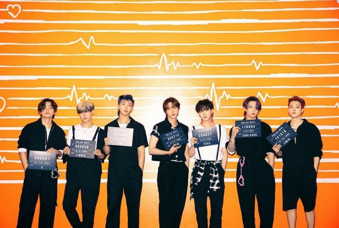 Permission To Dance 'đá bay' Butter để đạt no.1 Billboard, BTS kéo dài chuỗi thành tích bất bại Ảnh 4