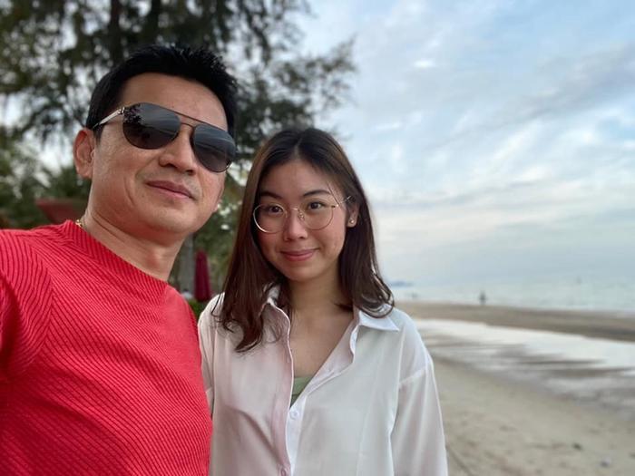Kiatisak khoe nhan sắc con gái sinh nhật tuổi 18, gửi lời chúc chuẩn 'ông bố của gia đình' Ảnh 1