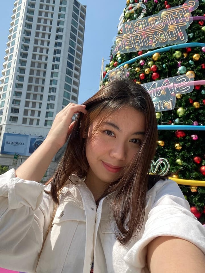 Kiatisak khoe nhan sắc con gái sinh nhật tuổi 18, gửi lời chúc chuẩn 'ông bố của gia đình' Ảnh 2