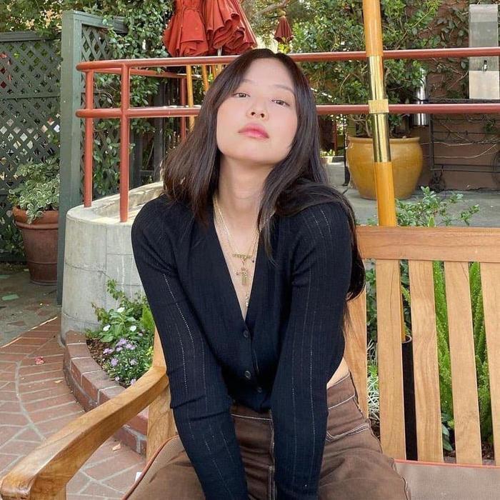 Từ ngày qua Mỹ làm việc, Jennie Black Pink liên tục 'ăn mặc' hở hang cực sành điệu Ảnh 8