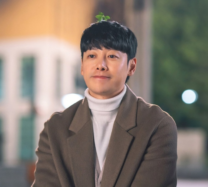 Phim của Park Ji Hoon kết thúc với rating ảm đạm - Yuri (SNSD) xinh đẹp khi làm cameo trong 'Racket Boys' Ảnh 1