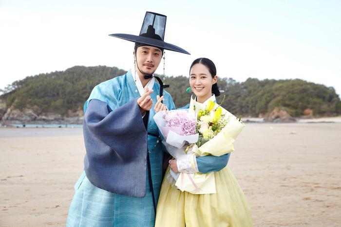 Phim của Park Ji Hoon kết thúc với rating ảm đạm - Yuri (SNSD) xinh đẹp khi làm cameo trong 'Racket Boys' Ảnh 7