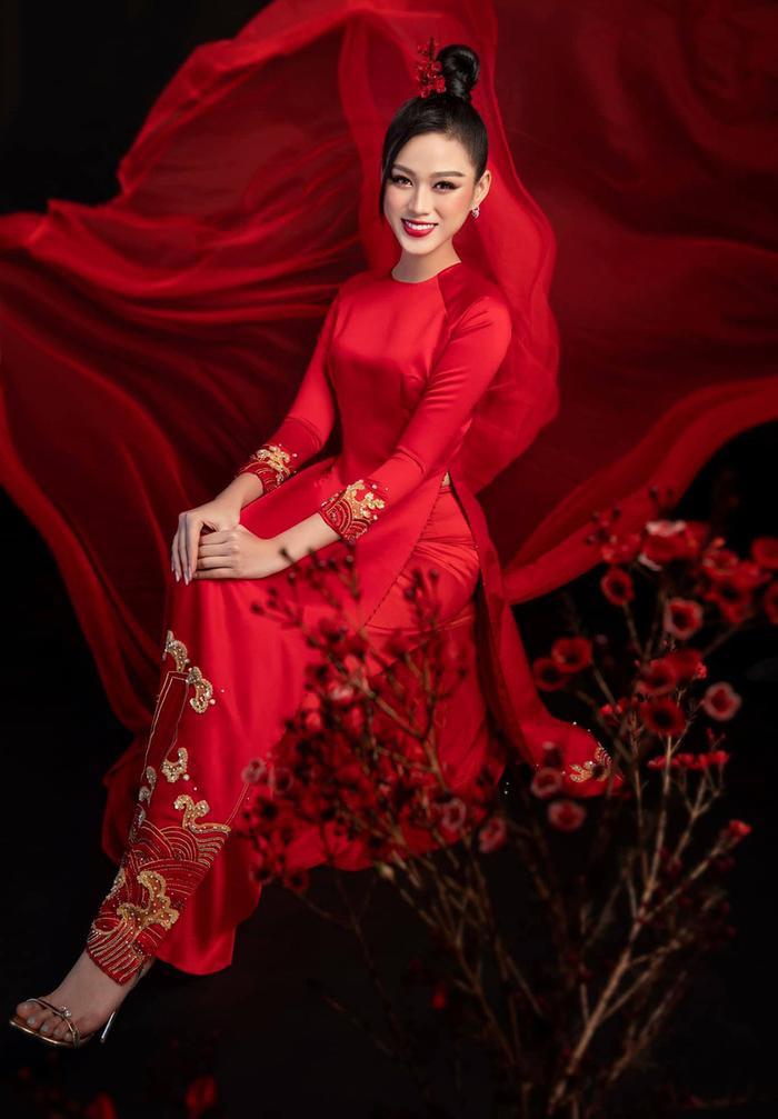 Tiết lộ sắc màu 'phong thủy' fan rào rào kêu gọi Đỗ Thị Hà mang đến Miss World Ảnh 2