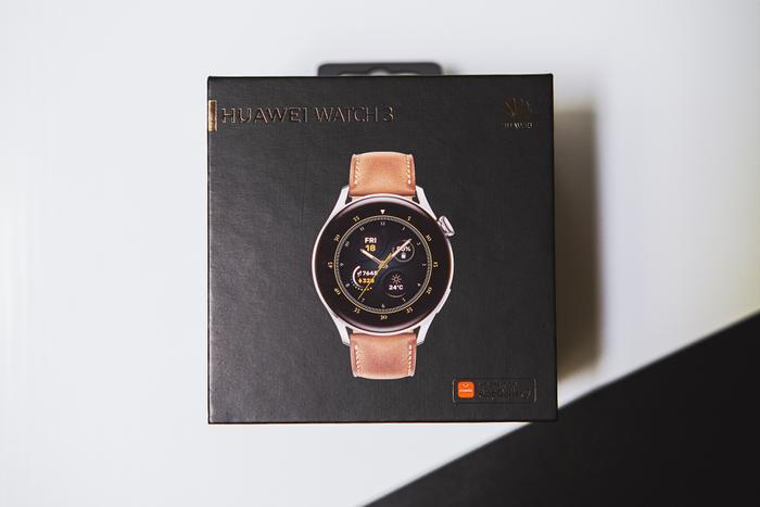 'Đập hộp' và trải nghiệm nhanh Huawei Watch 3: Thiết kế bóng bẩy, nhiều tính năng hay ho Ảnh 1