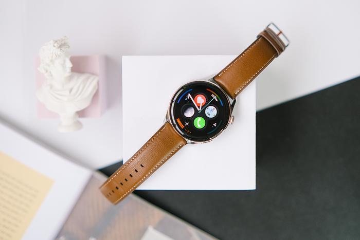 'Đập hộp' và trải nghiệm nhanh Huawei Watch 3: Thiết kế bóng bẩy, nhiều tính năng hay ho Ảnh 3