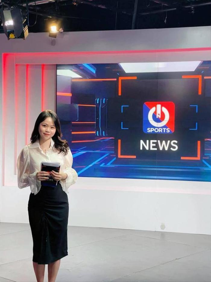 Huỳnh Anh làm MC thể thao, gia đình Quang Hải liền có phản ứng bất ngờ Ảnh 1