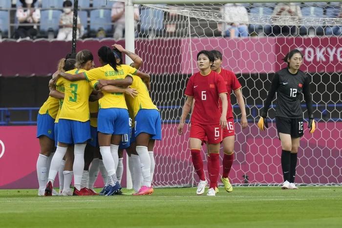 Tuyển nữ Trung Quốc thảm bại ngày ra quân ở Olympic Tokyo Ảnh 2