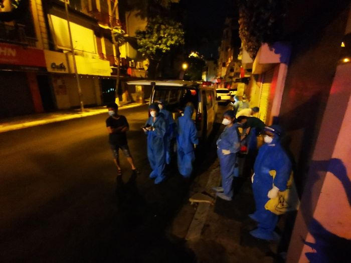 Hà Nội: Phong toả, xét nghiệm hơn 100 người ở Thuỵ Khuê khi ghi nhận 2 ca dương tính SARS-CoV-2 Ảnh 8