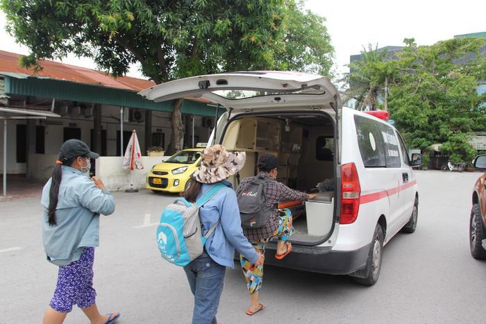 Gia đình 4 người phải đạp xe từ Đồng Nai về Nghệ An vỡ òa khi được về nhà Ảnh 4