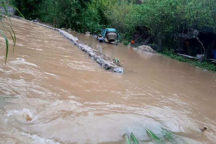 Mưa lớn kéo dài gây ngập lụt ở huyện vùng cao Nghệ An Ảnh 4