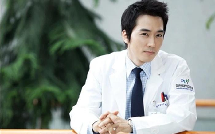 Top 10 nam bác sĩ điển trai nhất phim Hàn: Ji Sung lạnh lùng, 'chú chân dài' đáng yêu hết phần thiên hạ