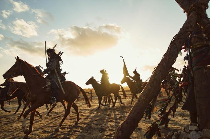 'Kingdom: Ashin Of The North' tiết lộ ảnh hậu trường với quy mô khủng