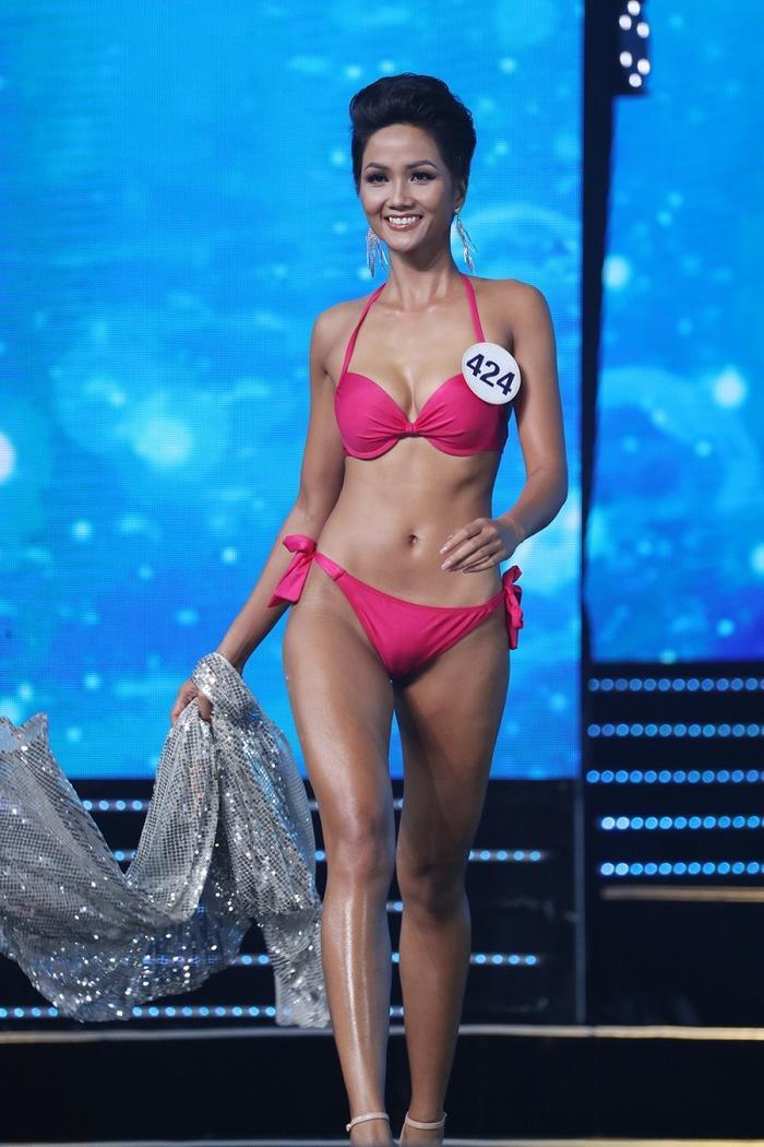 4 Hoa hậu Hoàn vũ Việt Nam thời còn thi thố, diện bikini body ai 'đỉnh' nhất? Ảnh 10