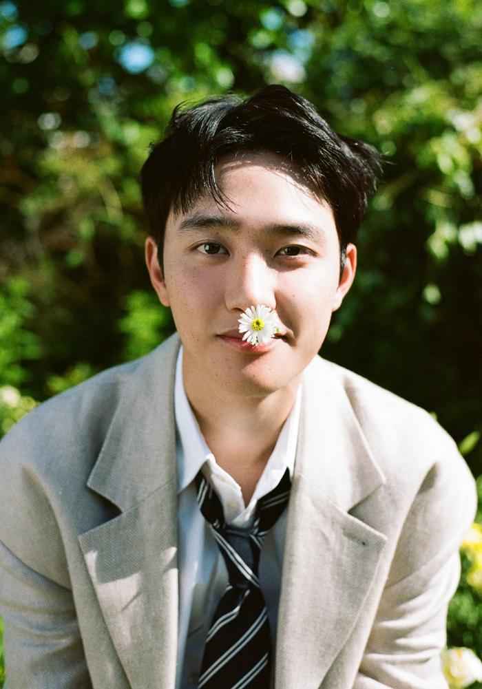 D.O. (EXO) chính thức debut solo với Rose: EXO-L không chê anh 'bèo' thì lên xe anh đèo! Ảnh 3