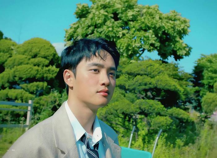 D.O. (EXO) chính thức debut solo với Rose: EXO-L không chê anh 'bèo' thì lên xe anh đèo! Ảnh 11