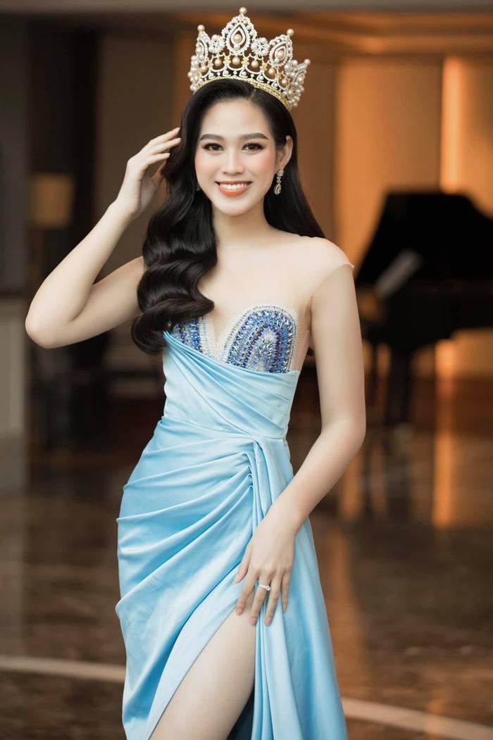 Mỹ nhân tóc xù đại diện Belize tại Miss World: Vẻ đẹp 'lạ' đối lập với sắc vóc tươi trẻ của Đỗ Hà Ảnh 5