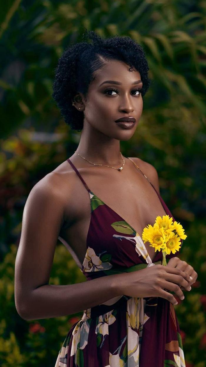 Mỹ nhân tóc xù đại diện Belize tại Miss World: Vẻ đẹp 'lạ' đối lập với sắc vóc tươi trẻ của Đỗ Hà Ảnh 2