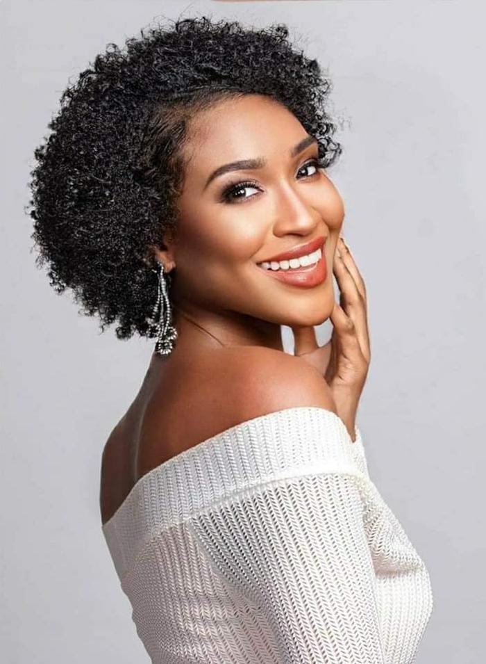 Mỹ nhân tóc xù đại diện Belize tại Miss World: Vẻ đẹp 'lạ' đối lập với sắc vóc tươi trẻ của Đỗ Hà Ảnh 3
