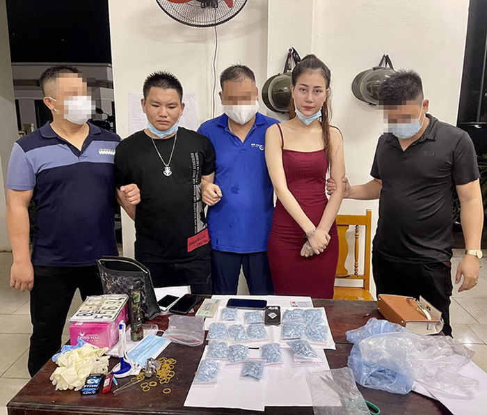 Diễn biến mới nhất vụ hot girl trên tiktok trốn truy nã vẫn đăng video 'khoe sắc', giao 1.500 viên ma tuý Ảnh 3