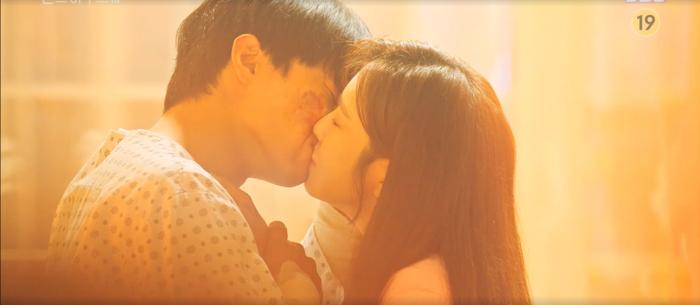 'Penthouse 3' tập 8: Su Ryeon và Logan trao nhau nụ hôn nồng cháy sau những tháng ngày chia xa Ảnh 29