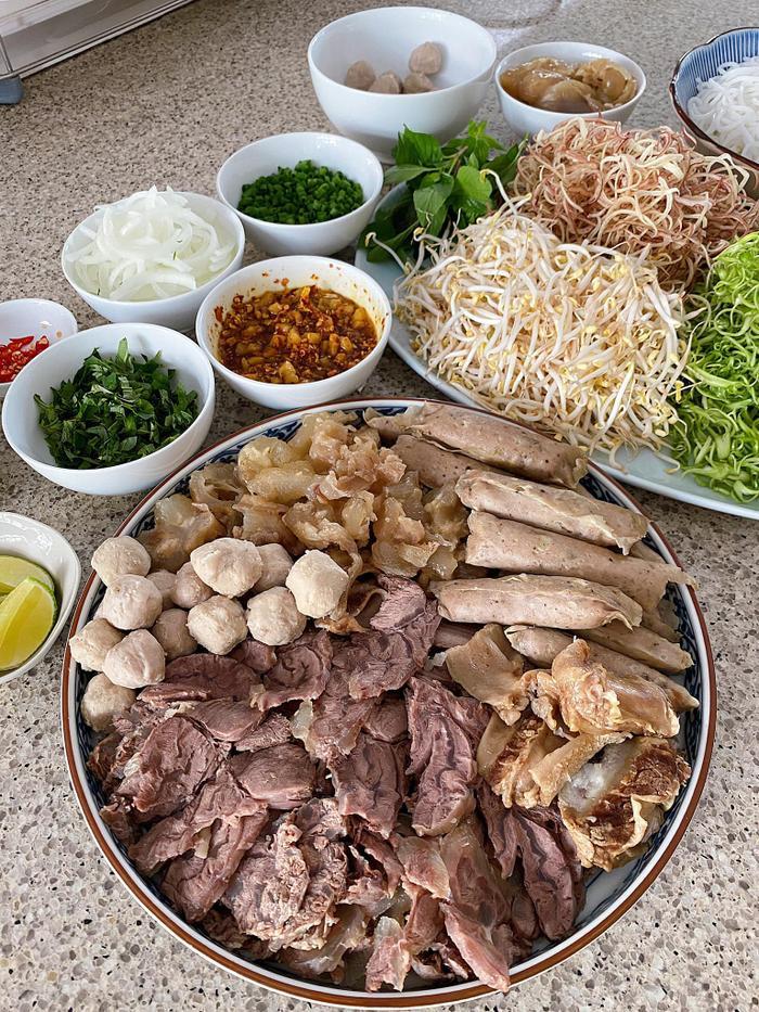 Tóc Tiên, Hà Tăng, Lan Khuê style thời trang đẹp nhưng tài nấu ăn mới đáng nể Ảnh 3