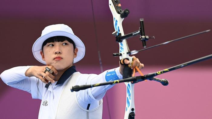 Nhóm nhạc Hàn Quốc bất ngờ nổi tiếng nhờ vào màn PR của An San - cung thủ đoạt 3 huy chương vàng Olympic