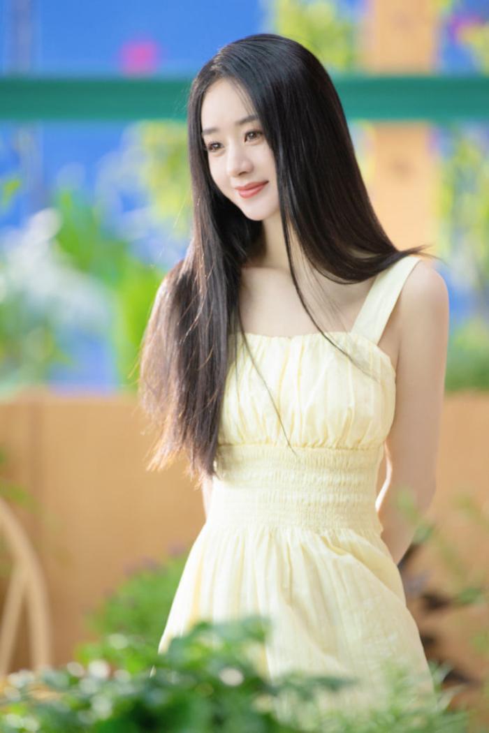 Thấy Triệu Lệ Dĩnh sống sung sướng, mẹ Phùng Thiệu Phong bất ngờ tuyên bố về lý do ly hôn Ảnh 10