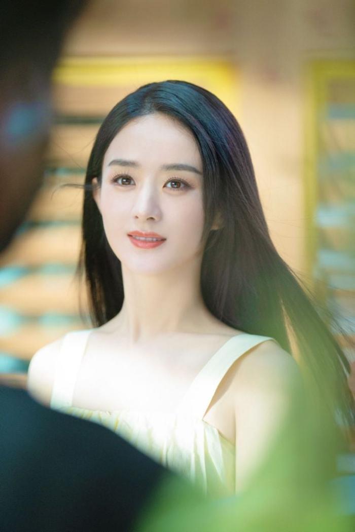 Thấy Triệu Lệ Dĩnh sống sung sướng, mẹ Phùng Thiệu Phong bất ngờ tuyên bố về lý do ly hôn Ảnh 9