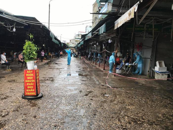 Hà Nội khẩn tìm người từng đến chợ Đồng Xa, quận Cầu Giấy từ ngày 23/7 đến 30/7 Ảnh 1