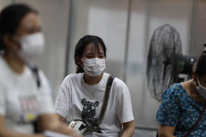 Video: Cận cảnh nhà thi đấu Trịnh Hoài Đức thành 'bệnh viện dã chiến' để tiêm vaccine cho người dân Ảnh 10