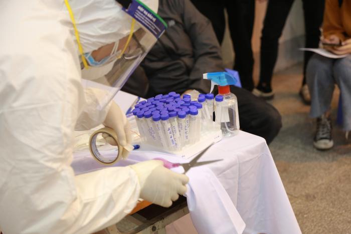 80/80 F1 của Vinmart và cán bộ y tế liên quan đến F0 của Công ty Thanh Nga đã âm tính với SARS-CoV-2 Ảnh 1