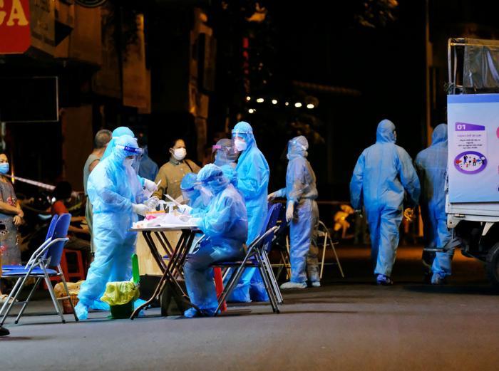 Trưa 3/8: Hà Nội thêm 23 ca dương tính với SARS-CoV-2, trong đó có nhân viên Vinmart và khách sạn Pullman Ảnh 1