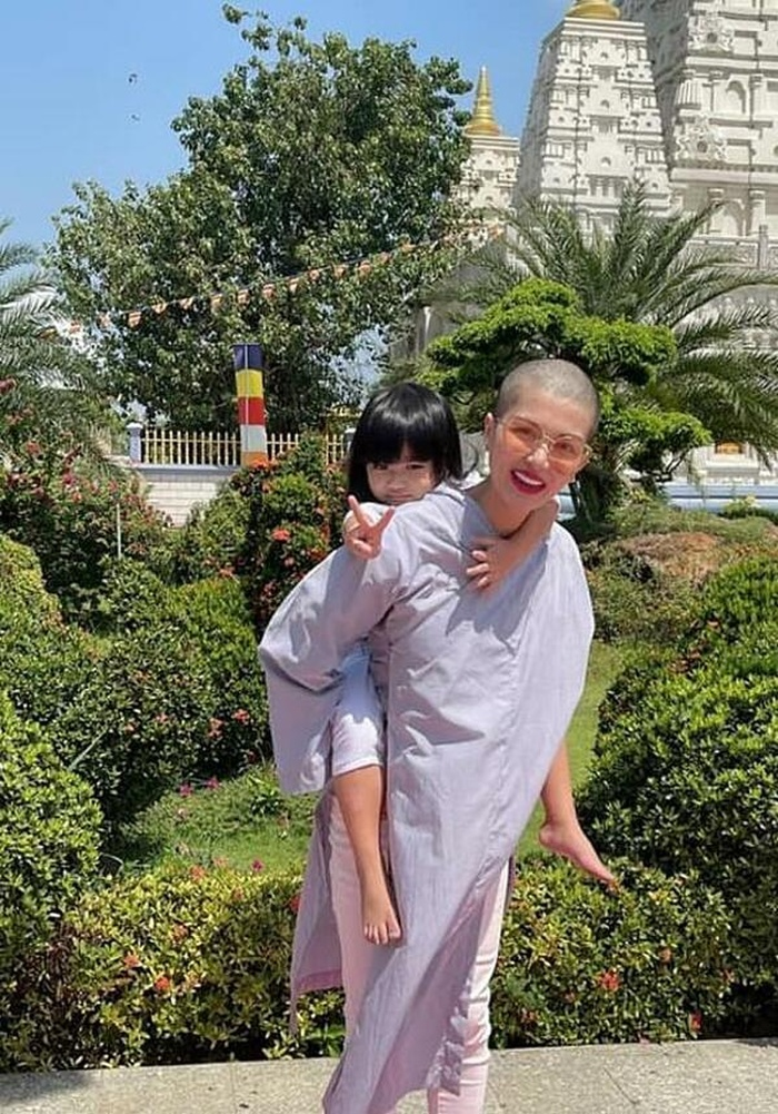 Dàn sao Việt cạo đầu trọc gây bất ngờ: Người bị phụ tình, kẻ do cắt tóc 'lỡ tay' Ảnh 4