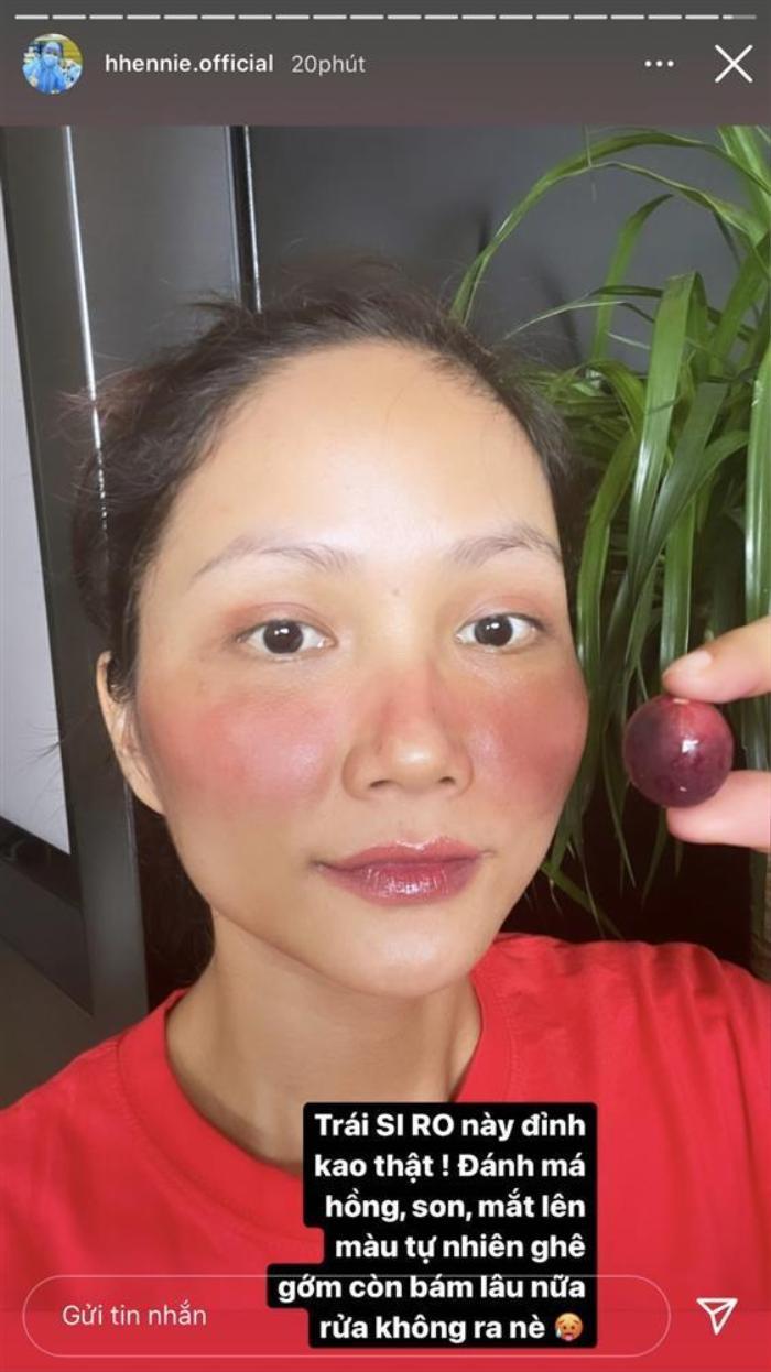 Rảnh rỗi ngày dịch, H'Hen Niê trổ tài make up bằng trái cây và cái kết không thể hài hơn Ảnh 2