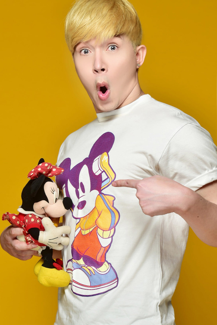 Nathan Lee tóc vàng, chụp ảnh cùng thú bông siêu 'hack tuổi' khiến fan phát sốt Ảnh 3