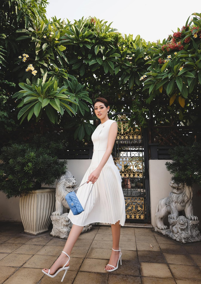 Hoa hậu Khánh Vân thương nhớ Sài Gòn giữa ngày dịch: Thành phố sẽ sớm khỏe lại thôi! Ảnh 7