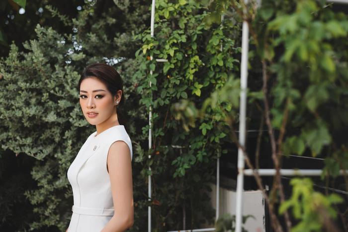 Hoa hậu Khánh Vân thương nhớ Sài Gòn giữa ngày dịch: Thành phố sẽ sớm khỏe lại thôi! Ảnh 1