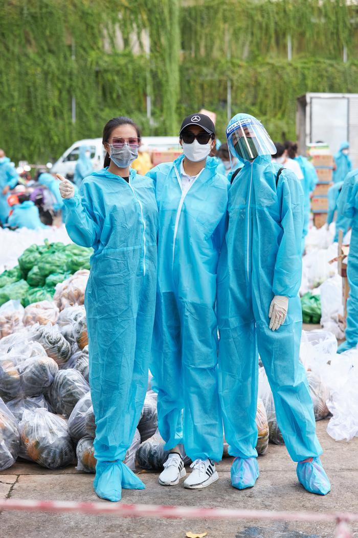 Khánh Vân, Kim Duyên, Lệ Hằng lan tỏa yêu thương với dự án 'Chuyến xe thực phẩm 0 đồng' lần 7 Ảnh 2