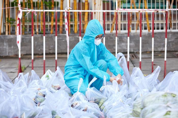 Khánh Vân, Kim Duyên, Lệ Hằng lan tỏa yêu thương với dự án 'Chuyến xe thực phẩm 0 đồng' lần 7 Ảnh 6