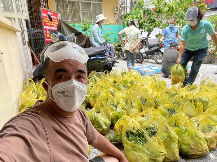 Quốc Thuận dốc lực làm từ thiện: 'Giá như tôi có thể đi xa hơn vì ngoài kia còn nhiều người cần giúp đỡ' Ảnh 7