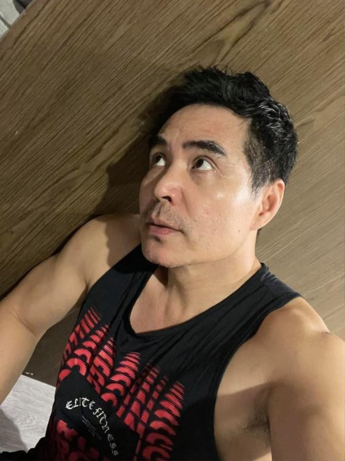 Sao nam tập tành khoe body mlem mùa dịch: Vĩnh Thuỵ, Jun Phạm 'rửa mắt' fan Ảnh 5