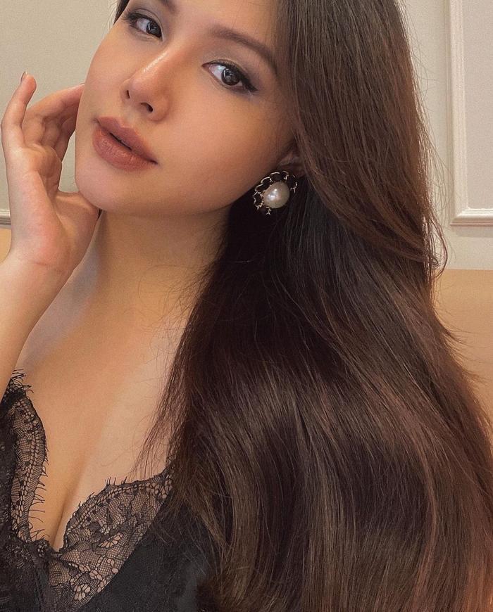 Phanh Lee khiến fan tròn mắt vì vẻ gợi cảm sau nửa tháng sinh con gái đầu lòng Ảnh 3