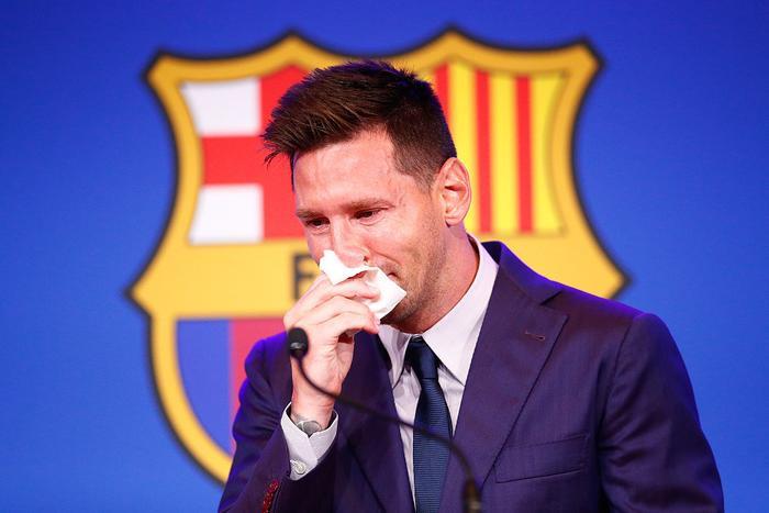 Giấy lau nước mũi của Messi được bán 23 tỷ đồng Ảnh 2
